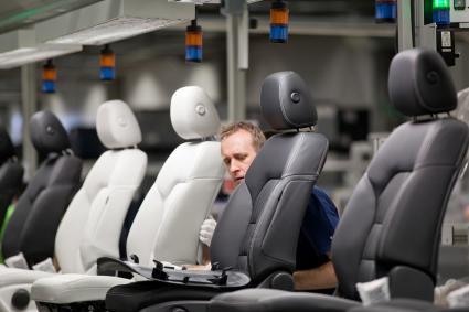 produkcja-foteli-samochodowych