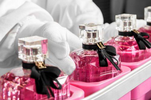 pakowanie perfum kosmetykow 2018